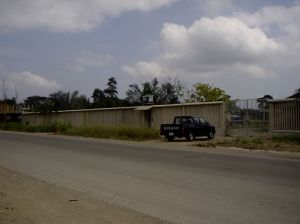 The gate for vehicles to enter the clinic