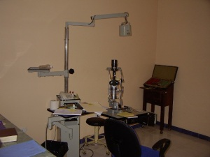 The eye exam room where Jorge sees his patients.